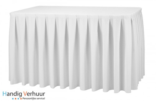 Tafel 8 persoons + wit tafelkleed +rok